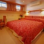 Bordeau bedroom Apres Tout