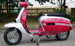 Lambretta GP in Metal Flake by http://www.i-paint.net photo by i-paint.net