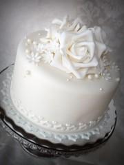 Wedding anniversary cake photo by Mina Magiska Bakverk (My Magical Pastries)