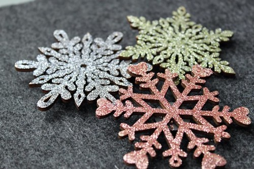 DIY Snowflake Magnets