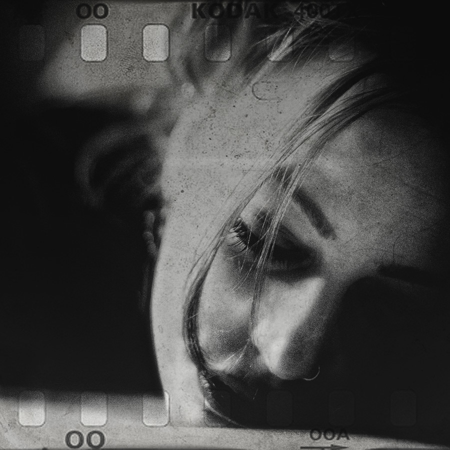 analog feelings photo by andrè t.