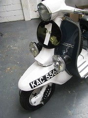 Lambretta S-Type SX200 in white and Racing Green by http://www.i-paint.net i-paint ipaint photo by i-paint.net