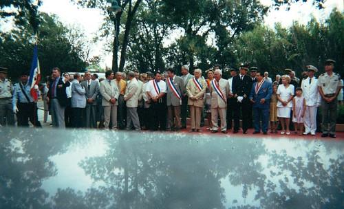 21 aout 2000 Hyères- devant le memorial nationla DFL - Les officiels- Fonds Pierre Tropet