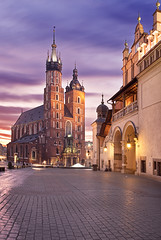 Sunrise at Rynek Glówny (Kraków) photo by Sonja Blanco