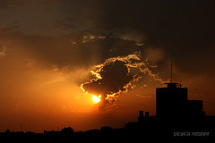 Engolindo o sol - swallowing the sun ..! photo by Dircinha -