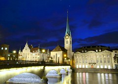 Fraumünster Abbey, Limmat river & Münsterbrücke bridge at dusk, Zürich photo by Sir Francis Canker Photography ©