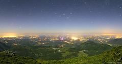 Une nuit peuplée de lumières photo by Pierre-Paul Feyte