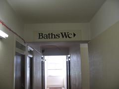 Waar is de badkamer?