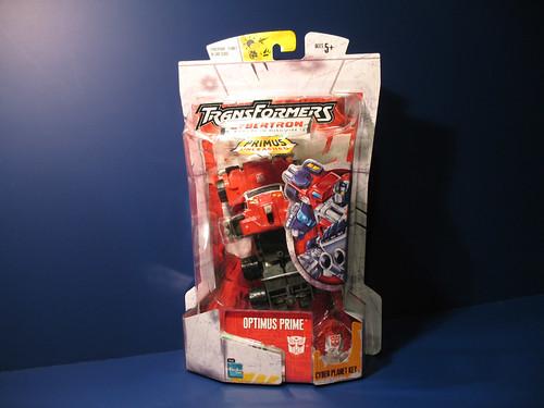 Cybertron Optimus Prime (repaint of Armada Prime)
