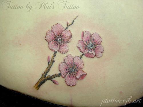 Tatuagem de Flor de Cerejeira