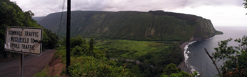 072106Waipio_Valley