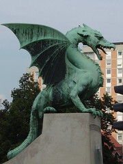 Dragón del Puente de los Dragones