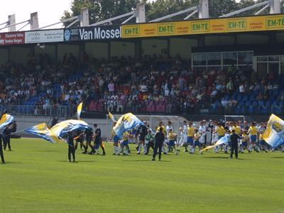 6863130783 b6800b81d1 RKC Waalwijk   FC Groningen 2 1, 21 augustus 2005