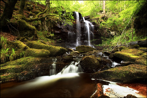 Waterfall Kenmore Perthshire photo by angus clyne