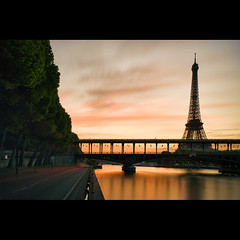 Bir Hakeim sur Tour Eiffel photo by Zed The Dragon