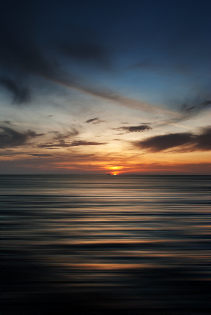 motion sunset #3 photo by G.V Photographie