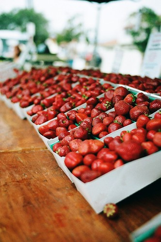 market berries photo by oceanerin