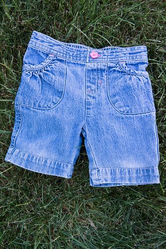 12-06-06_MakingShortsFromJeans11.jpg