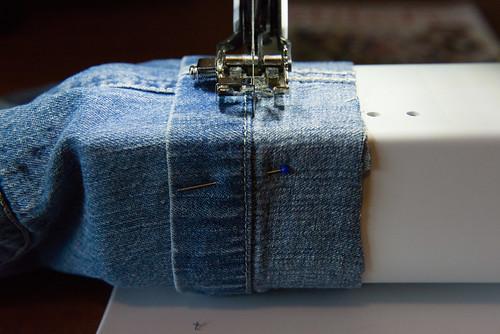 12-06-06_MakingShortsFromJeans6.jpg