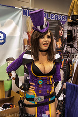 "Jessica Nigri as Mad Moxxi from ""Borderlands"" photo by The Man Of Stills"
