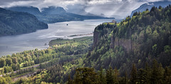 The Overlook, Columbia River Gorge photo by Michael Riffle