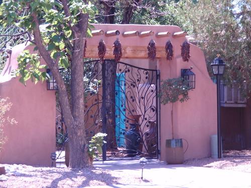 Casas de Suenos Gate