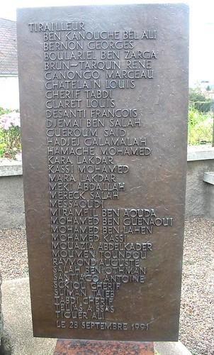 Franche Comté- Eboulet : Stèle au 22e BMNA liste des tirailleurs morts pour la France - Crédit photo : Alain Jacquot-Boileau