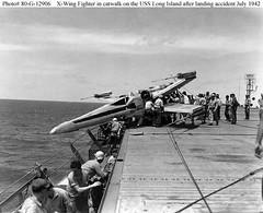 Extraño accidente en un portaaviones