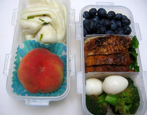 Saturn Peach & Roast Chicken お弁当