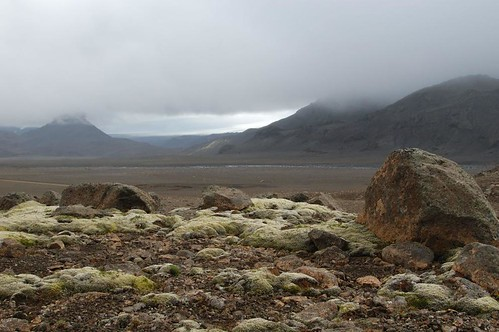 Rocks,_lava_field_@_mountain_rd_nr_Langjokull_3.jpg