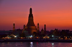 Sunset over Wat Arun in Bangkok photo by mmdurango
