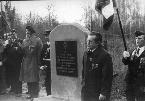 Alsace- Illwald - 1975- inauguration de la première stèle - Fonds Emile Gauthier
