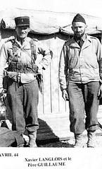 BM XI- 1944 avril- Tunisie- X Langlois et le père Guillaume Nabeul avant départ Italie
