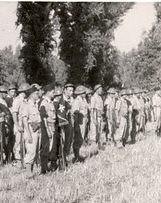 Génie- 1944- Italie-  Visite du Gal DE GAULLE  Ici Cne Bernard cdt ma compagnie. Moi 2eme section  Lt Serror- Col. Mardochée Partouche