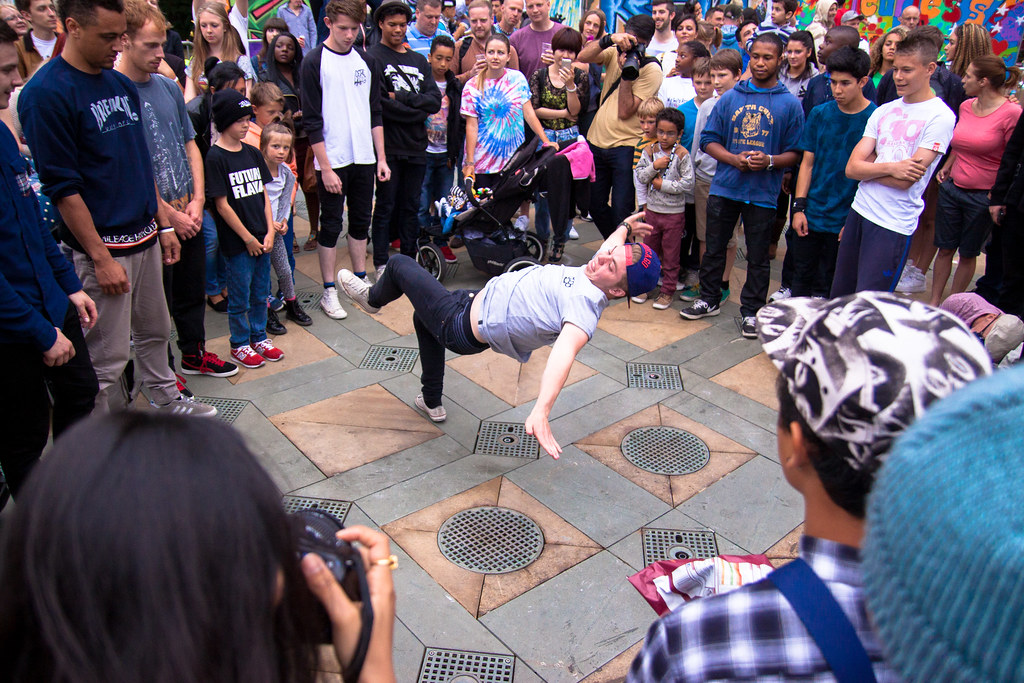 Simon Butler - Breakdancing - Peace Gardens - Sunday-3.jpg
