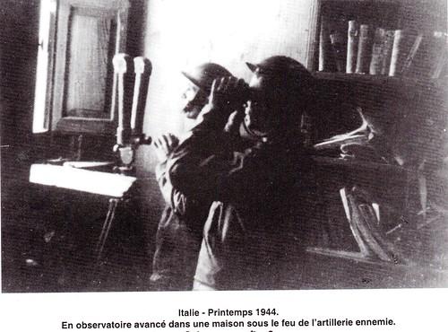 RA-  1944 - Italie-  en observatoire avancé sour le feu de l'artillerie ennemie