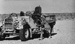 camion 4X4 Humber d'une colonne mobile FFL pris sous le feu ennemi ICare 100