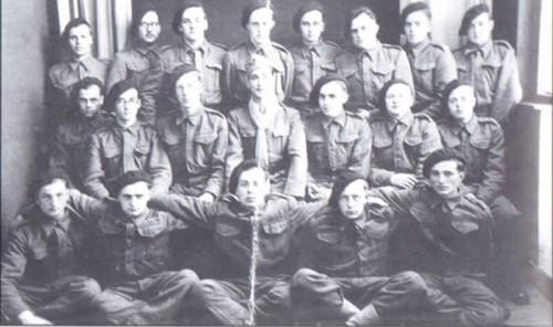 Cadets de la France Libre - au centre 1er rang jean renoux