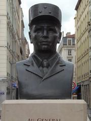 Buste du général Brosset