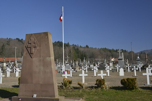Franche Comté-Vosges - Monument 1ère DFL et cimetière militaire de Giromagny- Crédit photo Thierry Marline, AHPSV- mars 2014