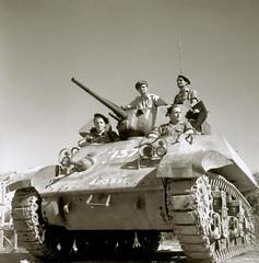1945 - Authion - Char Stuart du 1er Régiment de Fusiliers-Marins lors du tournage de l'ECPAD