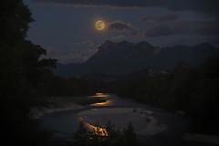 Les lunes naissent de l'eau... The moons are born of water... [EXPLORE...] photo by ImAges ImprObables