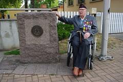 BM 24 - Alfred Froeliger à Obenheim devant l'écusson du BM 24