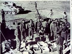 1ère Cie des Chars- distribution de vivres à la 1ere Cie des chars de combat - Yves Gras