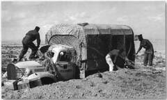 Bir Hakeim 1942- Camion General motrs cargo 2-1 2 Ton 4X2 du RA et  BM2 camouflé selon les consignes du chef de la 1 Brigade -La France renaissante