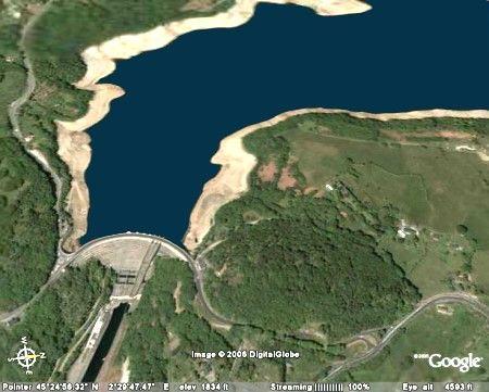 Retenue et barrage de Bort-les-Orgues (Corrèze et Cantal)