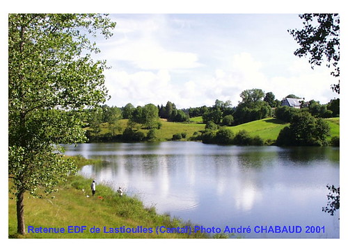 Lac de retenue de Lastioulles (Cantal) 2