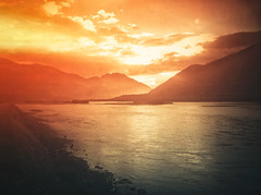 Bluring Sunlight, Yarlung Zangbo River photo by AchillesSHAN