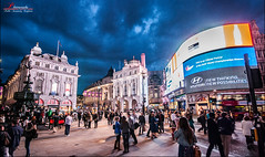 Picadilly Circus at night photo by _Hadock_