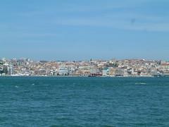 Lisboa vista do cacilheiro aberto